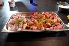 Fleisch und Fleisch-Gewürze für die Bratwürstel