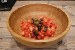 Oliven zugeben