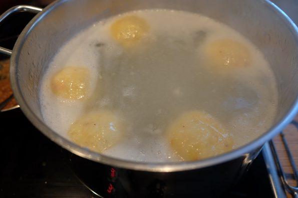 Hausgemachte Kartoffelknödel